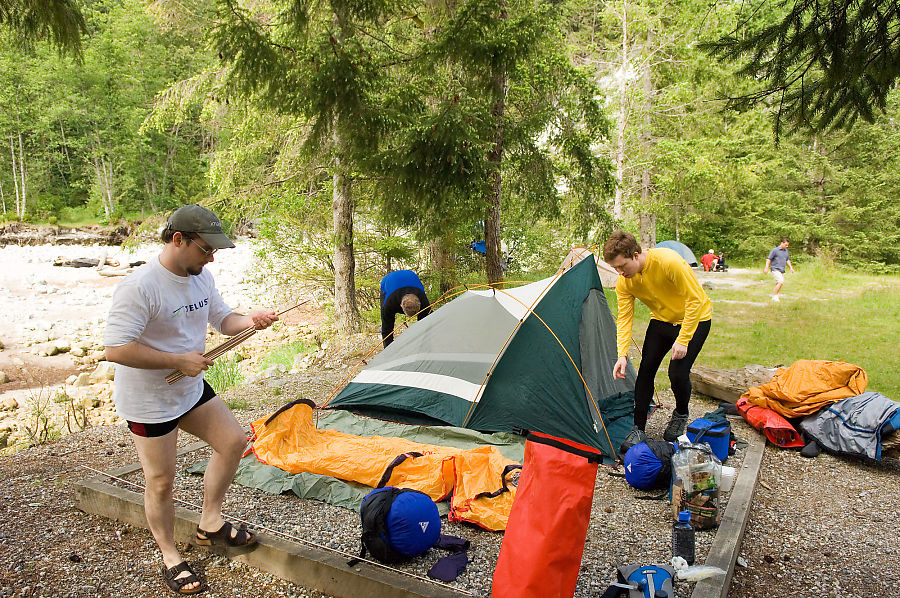 group-set-up-tents.jpg