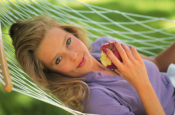 woman-with-apple.jpg